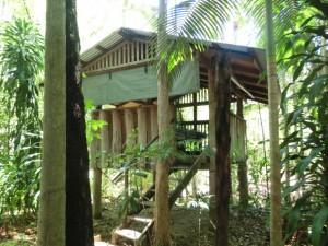 Eine der Hütten im Camp