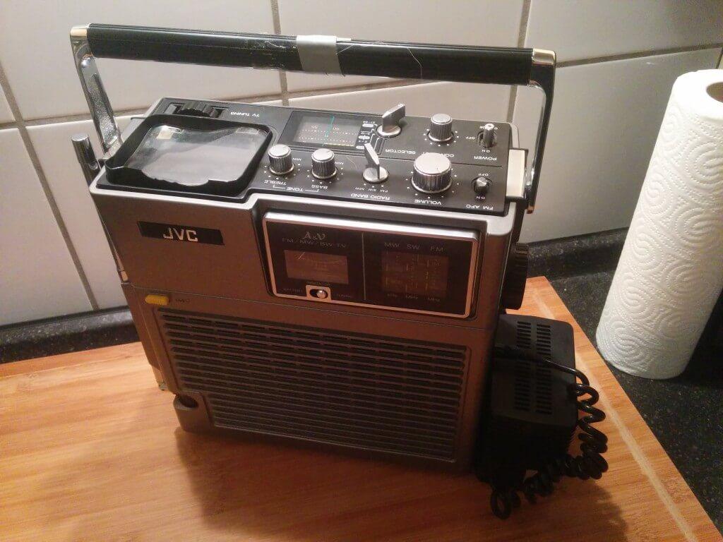 Das Radio im Urzustand. Leider hat das FM-Radio schon nicht mehr funktioniert.